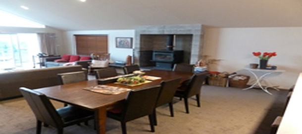 Larch Haven Retreat Dining